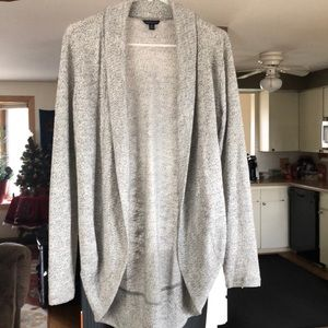 Aeropostale whit and grey sweater